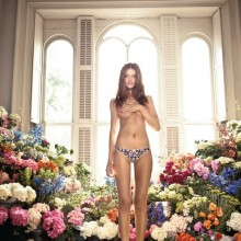 Cintia Dicker surrounded by 8000 fresh cut flowers!!!!!