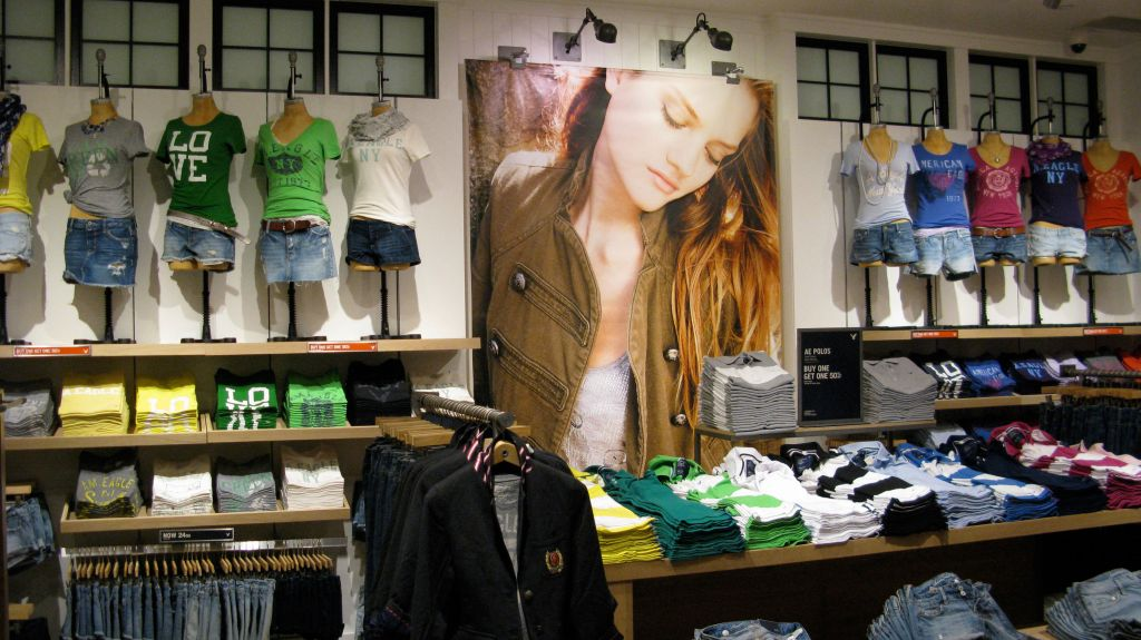 american eagle store layout London—struggling at home, american eagle outfitters inc is looking to europe to kick-start a fashion revival the teen-retailing chain will open three stores in the london area over the next week, the first stage of a planned rollout across western europe two of the stores are located in.